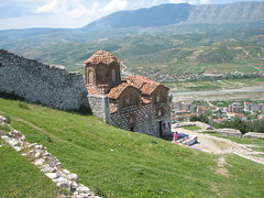 Very old church in Berat (Blaz Purnat) Tags: berat church orthodoxchurch byzantinechurch albania albanija albanien arnavutluk shqipria albanie kostel cerkev eglise kirche crkva glise kerk kirke iglesia kirik egyhz kirkko eliza gereja esglsia chiesa igreja kyrkje eglwys koci    biserica kostol nhth kisha  kilise kyrka      albani albaniya albnia albnie albnsko albnia  albaania albanya