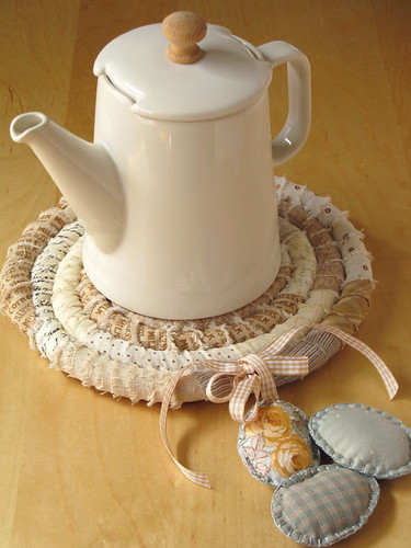 Nest Trivet - in action by PatchworkPottery.