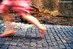Run Lola, Run! (Nicolas Zonvi) Tags: republica pink girl movement republic czech prague praha praga running run skirt checa republika esk sigma1020mmf456exdchsm nicolaszonvi