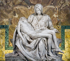 Michelangelo's Pity (Federico Alberto) Tags: muzz olympuslapiedadmiguelangelvaticanovaticanesculturasculptureromaromeitaliaitalynophotoshopnohdre3olympuse3zd1260mmswd1260mmitalieestatuastatuemrmolmarblemarbrerenacimientorennaissancevirgenviergevirgincristochristmuerto