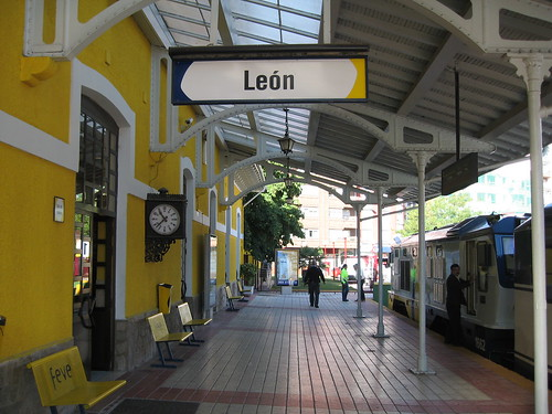 Leon station - El Transcantabrico - a luxury train in Spain, charter from Train Chartering