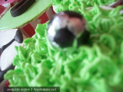 football cupcakes @ AnisBakery.net