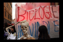 Perhaps my interests in biology will lead me to a nefarious future...  Or not? Probably I'm being too pessimistic in theese days... (Francecso) Tags: italy fire freedom student october italia young free pisa demonstration protesta tuscany 23 legge berlusconi tremonti 133 ottobre manifestazione lungarno corteo gelmini