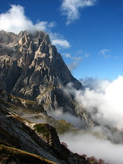 mist coming in (peet-astn) Tags: getty abruzzo 10things gransasso campoimperatore cornogrande