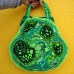 VeggieBag fullview (saraaires (quartodeideias)) Tags: bag necklace sara handmade aires crochet craft purse etsy bolsa colar tote mala choker freeform sacola