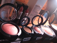 haulage (_melika_) Tags: shopping mac makeup brushes espresso lipstick threesome blush cosmetics eyeshadow 187 116 petticoat haul lustre hugme makeupbrushes blankety machaul mineralizeskinfinish makeuphaul redshesaid mineralizeblush mineralizeeyeshadowtrio