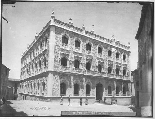 Hotel Castilla (Toledo) en 1890 poco antes de su inauguración. Foto Casiano Alguacil.