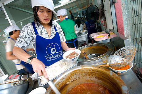 Serving dishes of khao soi and nam ngiaw, Kuaytiaw 12 Panna, Bangkok