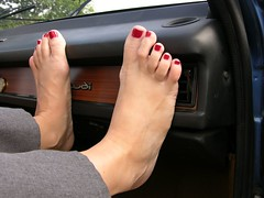 barefeet on dashboard 0014 (klaudiath13) Tags: auto feet car barefoot barefeet dashboard füsse barfus
