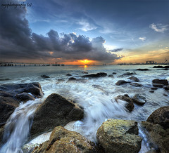 Singapore :Oh Gush ! Oh Gosh ! Oh Rocks ;-) (Ragstatic) Tags: city longexposure morning travel light sunset sea sky people sun seascape color reflection tourism beach water clouds sunrise relax landscape happy dawn photo google search nikon singapore rocks asia exposure nightshot searchthebest rags famous culture visit photograph destination dri hdr stockphoto blending d700 bratanesque singaporelandscape singaporenightshot youstillnumberoneeeeeee singaporeseascape