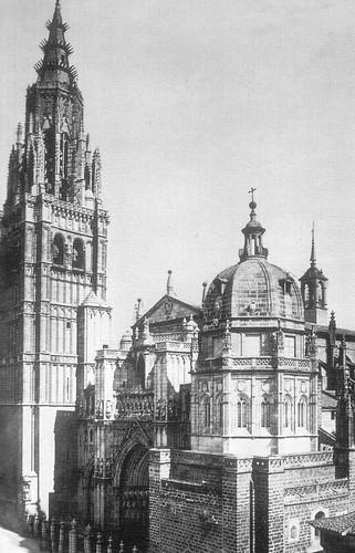 Catedral de Toledo con la Torre del Reloj antes de ser demolida en 1888.