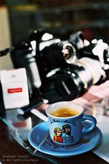 Baro Caf (Rostev) Tags: caf brasil 35mm geotagged nikon sopaulo sp fujifilm coffe nikonfg soluisdoparaitinga provalue200 valedoparaba colorfilm colornegative filmecolorido vfc nikkor50mmf14ai solusdoparaitinga negativocolorido passeiofotogrfico rostev rodrigoteofilo valefotoclube photographicwalk barocaf geo:lat=23222175 geo:lon=45311394