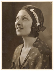 Sydney Harbour Bridge pin, c. 1930s / by Sam Hood (State Library of New South Wales collection) Tags: bridge portrait woman hat pin theatre brooch sydney australia jewelry lookup clochehat statelibraryofnewsouthwales samhood