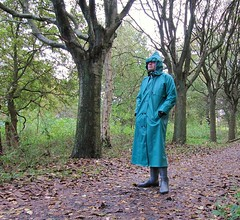 Gummimantel (Nordsee2011) Tags: coat rubber raincoat rainwear mantel klepper regenjacke regenmantel regenkleidung gummimantel rubbercoat regenbekleidung kleppermanter