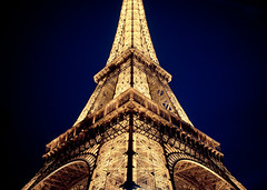 [Free Image] Architecture / Building, Tower, Night View, Eiffel Tower, France, Paris, 201105232300