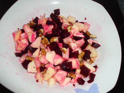 salade_de_betteraves_aux_pommes_et_aux_noix_