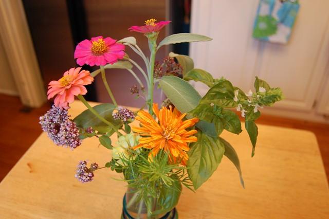 zinnias&herbsarrangement