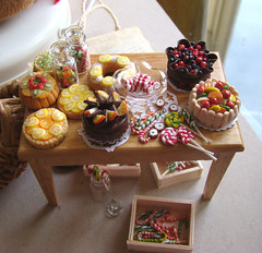 Dollhouse Miniature Food 1:12 (PetitPlat - Stephanie Kilgast) Tags: food scale cake pie miniatures miniature doll charlotte mini bakery sweets 112 tarte dollhouse miniaturefood