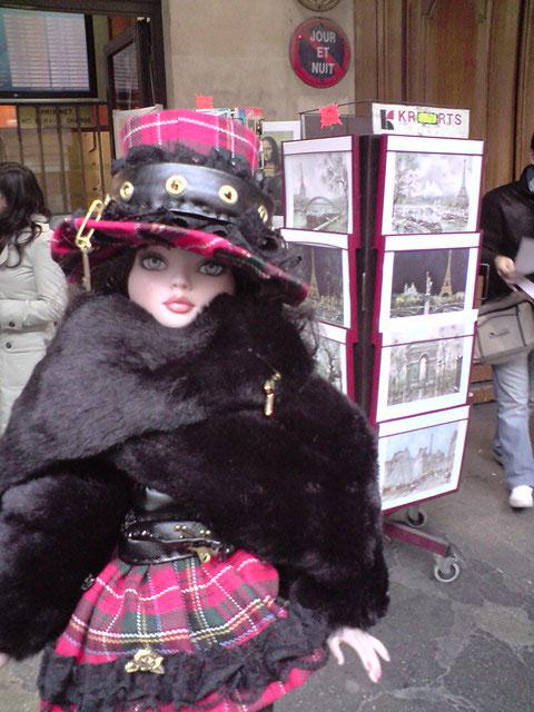 Sarah joue les touristes en solo à Paris 2303021182_e821d59f99_o