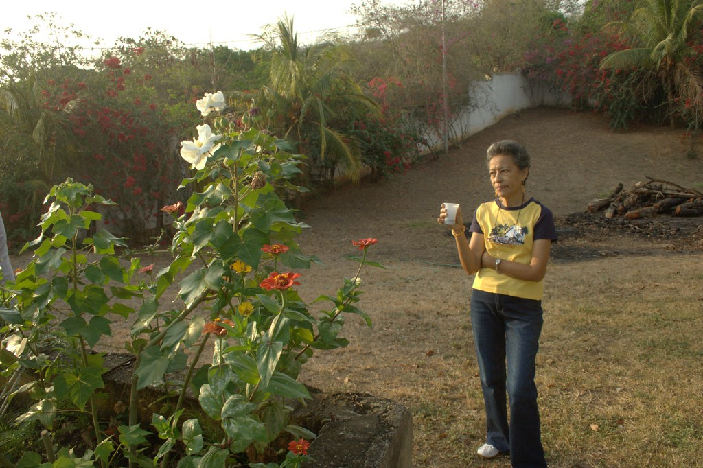 Señora Graciela and the flowers of Paradise