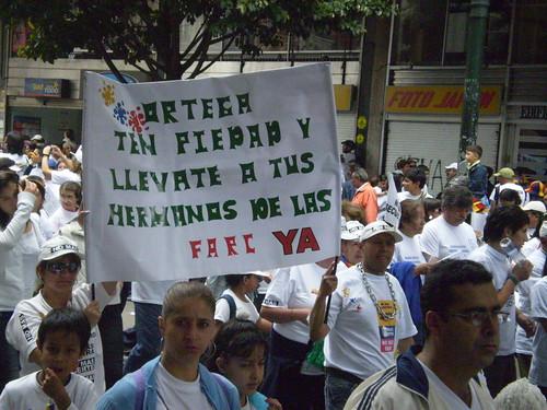 Marcha 20 de julio - Pancarta anti-Daniel Ortega