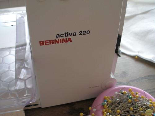 Bernina Activa 220