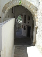 castle alley archway