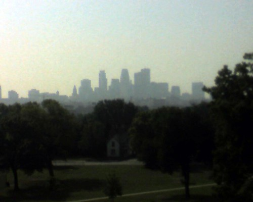 Downtown Minneapolis from Fairview Park