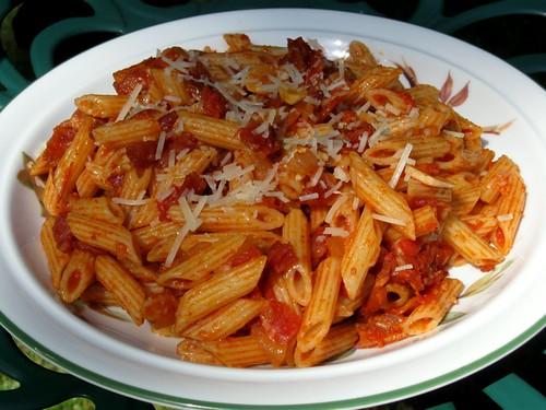 ... Food and Recipe Blog: Penne alla' Amatriciana aka Bacon Pasta