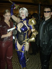 Terminators! (BelleChere) Tags: costume cosplay ivy terminator soulcalibur dc08 dragoncon2008 ivyvalentine