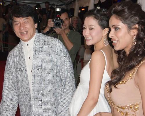 Jackie Chan, Feng-Jiao Lin and Mallika Sherawat