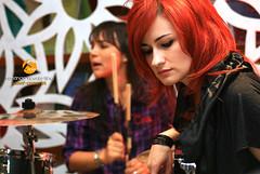 Mixtape (venanciofilho) Tags: girls brazil rock canon banda drums bass guitar mixtape bateria f11 meninas baixo 30d violo acstico vennciovicentefilho pocketshow livrariascuritiba fonzefotografia shoppingpalladium prisfu helennegro renatamonteiro