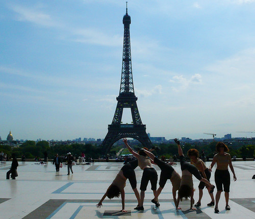 Cartwheel, Place Trocadero