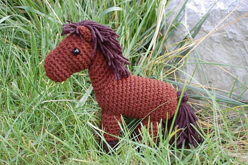 A cute little crochet horse! Neigh!