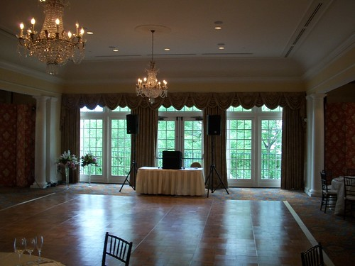Wedding at Belle Haven Country Club, ballroom wedding reception, Virginia wedding DJ