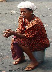 Waiting (bokage) Tags: woman india fishing kerala calicut kozhikode