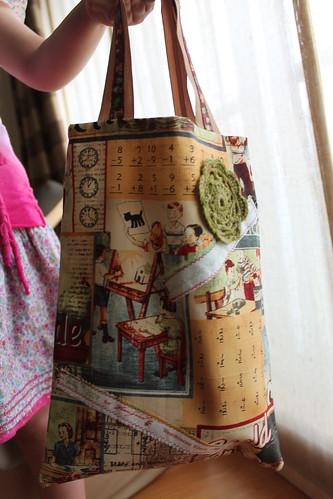 Saco Selvage com roseta de crochet #1