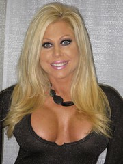 Diva Pioneer Terri Runnels (Sportsology) Tags: wwe wwf marlena wizardworld goldust sportsology cardcornerclub terrirunnels