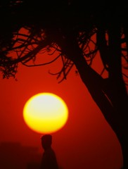 Jaltay Sooraj K neechay (NotMicroButSoft (Fallen in Love with Ghizar, GB)) Tags: pakistan sunset sun nature karachi sindh