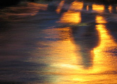 river dance (jenny downing) Tags: uk shadow orange reflection texture water thames night river gold golden evening glow shadows flood blurred explore gb abingdon flooded eveningglow ock oberflchen explored phototakenbyjamie fastflowing jennypics onephotoweeklycontest jennydowning takenintheuk inblighty photobyjennydowning jennydowning2007