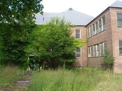 P8120129 (pink lantern) Tags: insane asylum statehospital hudsonriverstatehospital