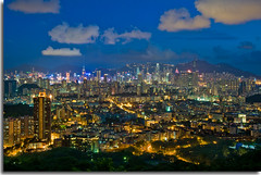 City Lights (pompidom) Tags: china longexposure mountain clouds hongkong lights asia view skyscrapers skylines jordan citylights kowloon mongkok tsimshatsui hongkongisland lionrock bankofchina ifc2 yaumatei d300 princeedward kowloontong 18200vr pompidom