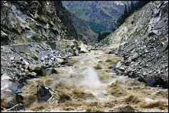 Feel the force... (Bhanu Devgan) Tags: india mountains water canon river rebel himachal bhanu satluj devgan xti damniwishidtakenthat