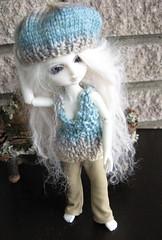 Morag Shows Off (grannyagc) Tags: top bjd beret moona morag settee tunic tinybear