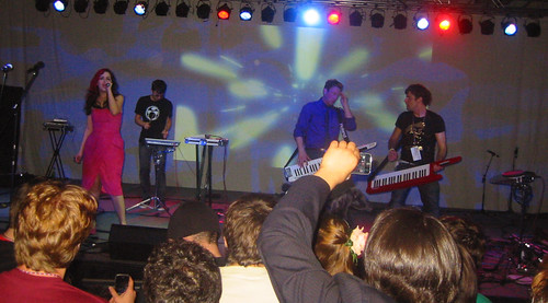 20081010 - Freezepop @ AnimeUSA - 169-6985 - playing encore - please click through to leave a comment on FlickR