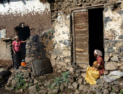 Charla entre vecinas de Gondar (Etiopía)