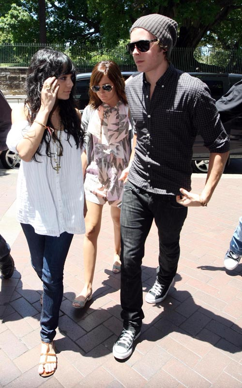 Zac, Vanessa And Ashley Out In Sydney (USA ONLY)