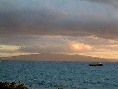MAUI CLOUDY SUNSET (SnapShotStar) Tags: ocean pink blue sunset sea sky orange beach clouds sailboat island hawaii scenery florida horizon maui palmtrees keywest kihei nowthatssky thecloudappreciationsociety sunseaandsand 10millionphotos