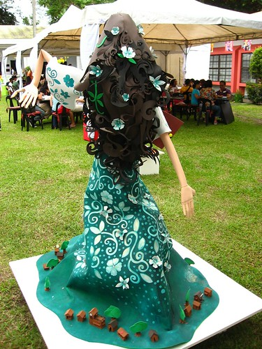 maria sinukuan's back