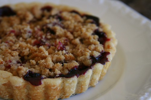 crumb topped mixed berry tart